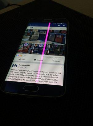 Samsung S6 Edge bị sọc hồng màn hình