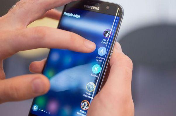 Màn hình Samsung S7 Edge có chống xước không?