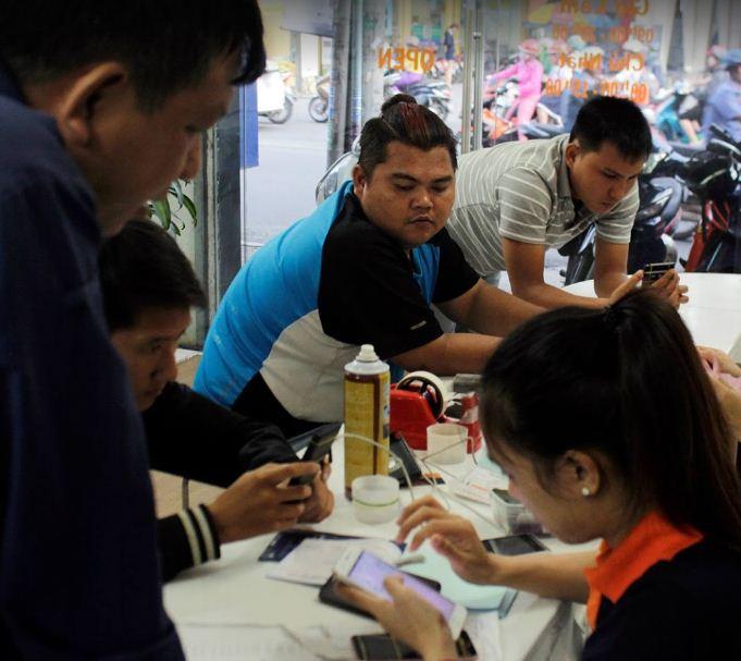 Thay màn hình iPhone với nhiều ưu đãi tại Manhinhdienthoai.net