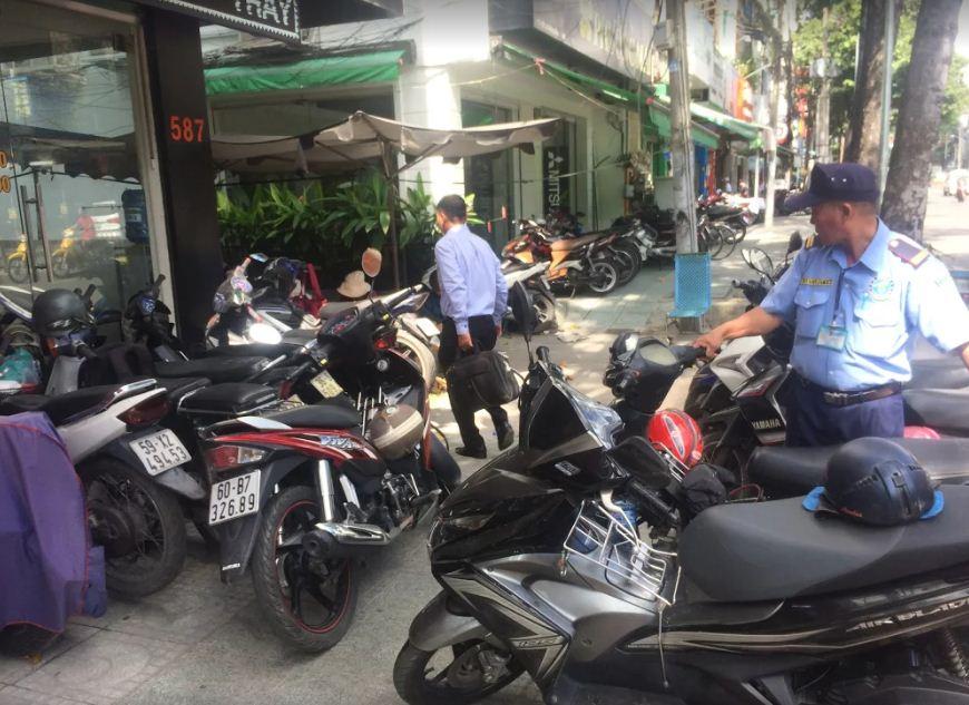 Trung tâm manhinhdienthoai.net tại 587 Lê Hồng Phong