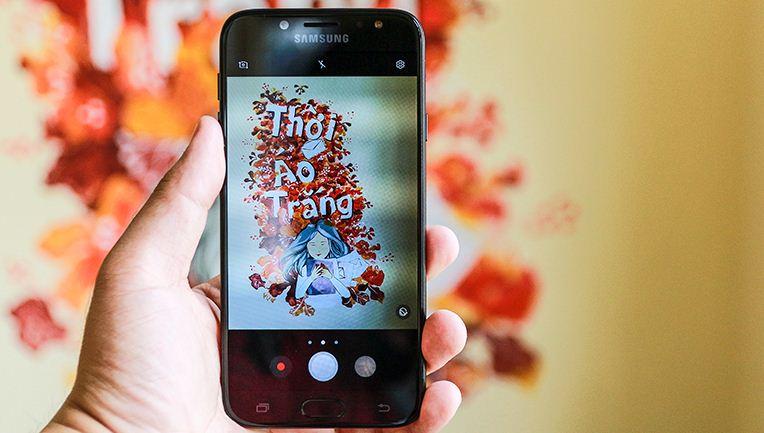 Giá thay màn hình Samsung J7 Pro là bao nhiêu?