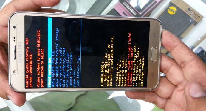 Cách khôi phục khi quên mật khẩu màn hình khóa Samsung J7 Pro