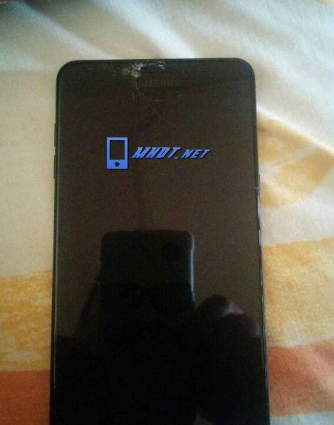 Màn hình Samsung C9 Pro bị vỡ mặt kính