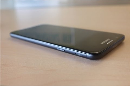 Samsung J7 prime mat den man hinh
