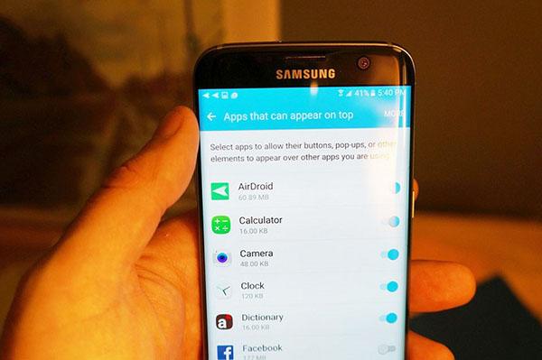 Cách tắt lớp phủ màn hình Samsung