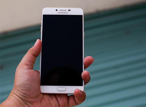 địa chỉ thay mặt kính Samsung C9 Pro uy tín