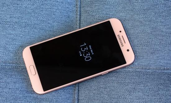 thay man hinh Samsung a7 2017 o dau?