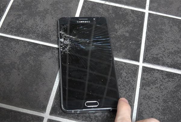 Màn hình Samsung A5 2016 bị vỡ do rơi rớt