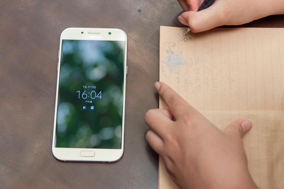Cách khắc phục màn hình Samsung A7 2017 bị hở sáng tốt nhất