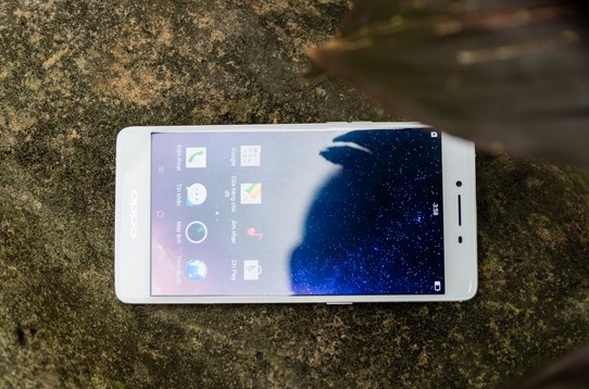 oppo r7s be mat kinh