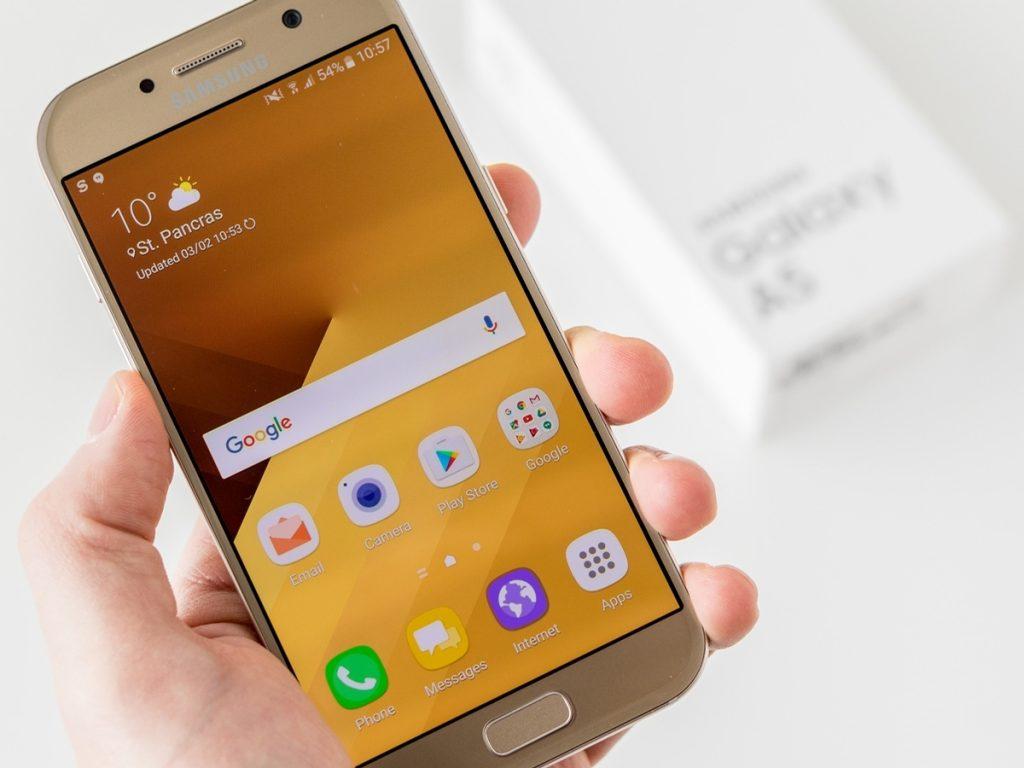 Samsung Galaxy A5 2017 màu gold