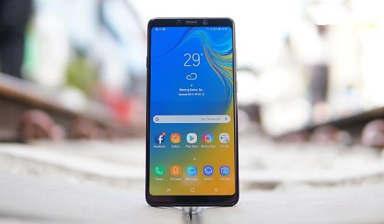 Cần làm gì khi Samsung A9 2018 bị vỡ mặt kính?