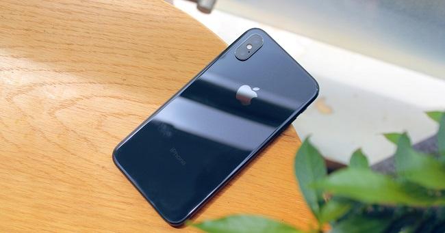 Nguyên nhân khiến camera trước iPhone X bị ngược