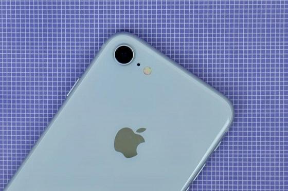 Giải pháp cho bạn tiết kiệm pin iphone 8