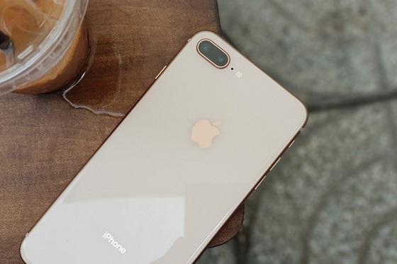 iphone 8 plus tụt pin nhanh