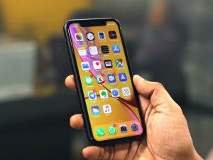 iPhone tự tắt nguồn khi còn pin do nhiều nguyên nhân