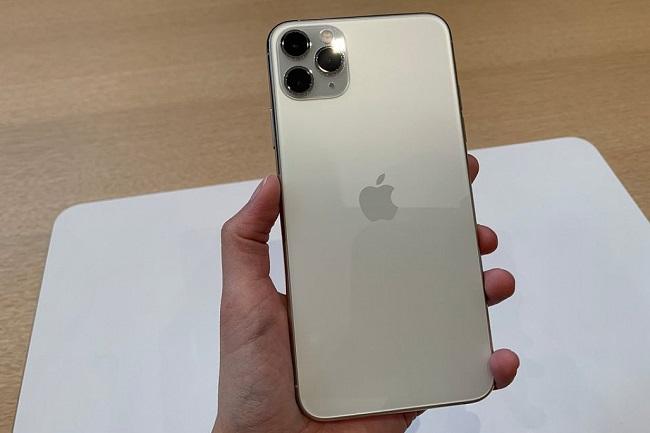 camera chính iphone 11 có dạng hộp vuông