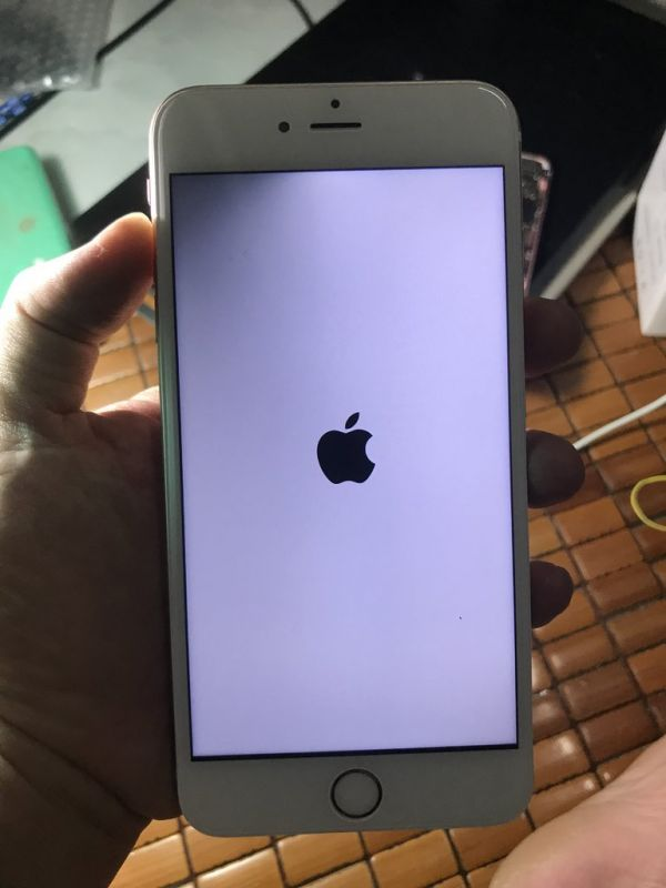 iphone 6s plus tối nửa màn hình bên phải