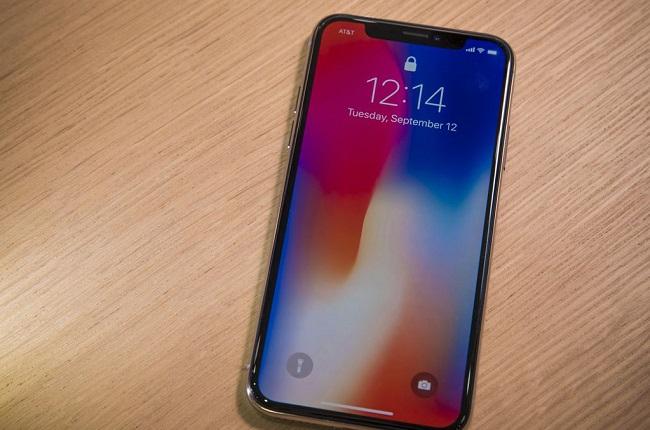 Tại sao iPhone X bị đơ không tắt nguồn được