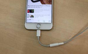 iPhone 7 không nhận jack chuyển tai nghe, làm sao để xử lý?