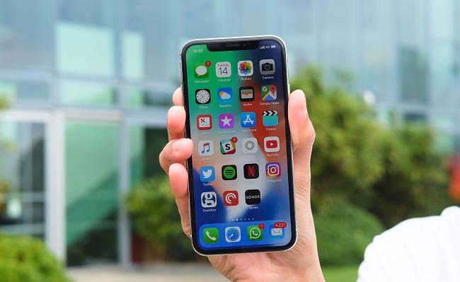 iPhone X không nhận sạc không dây