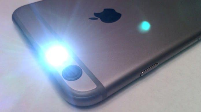 Cách cài đặt đèn Flash khi có cuộc gọi đến iPhone 8 plus