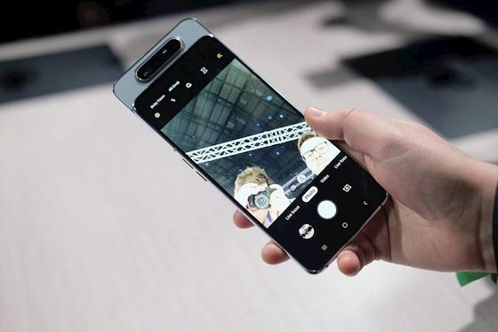 Cách bảo quản mặt kính Samsung A8 bền hơn