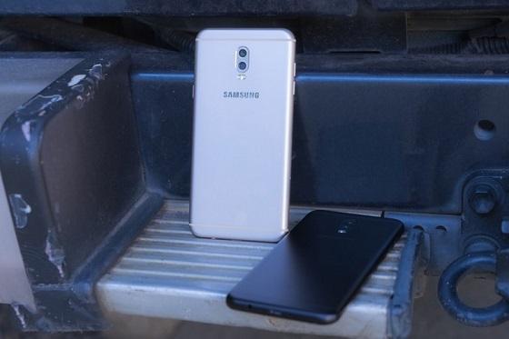 Tại sao phải thay mặt kính Samsung J7 Plus?