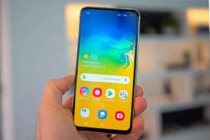Nên làm gì khắc phục Samsung S10 Lite bị đen màn hình